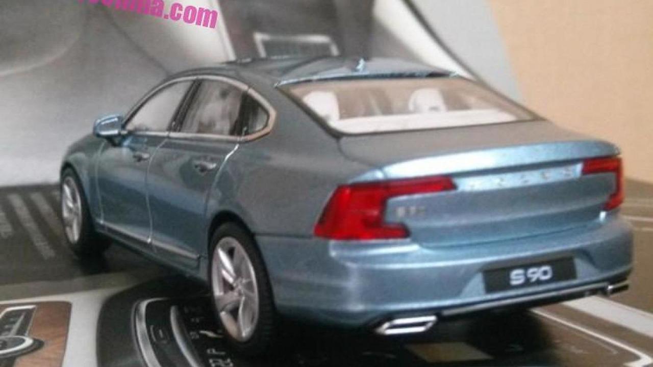 Volvo S90 scale model