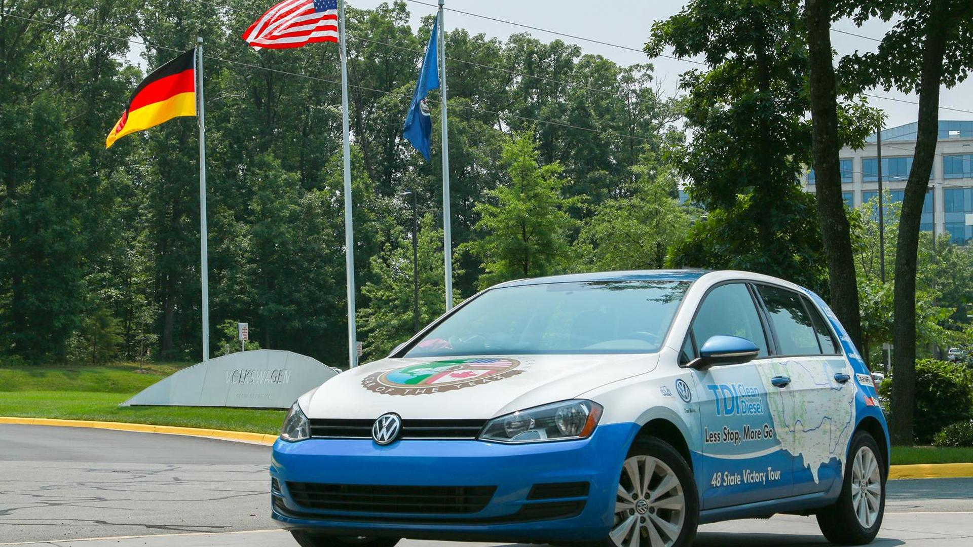 Vw Clean Diesel >> Vw Golf Tdi Clean Diesel Sets Its Own Guinness World Record For