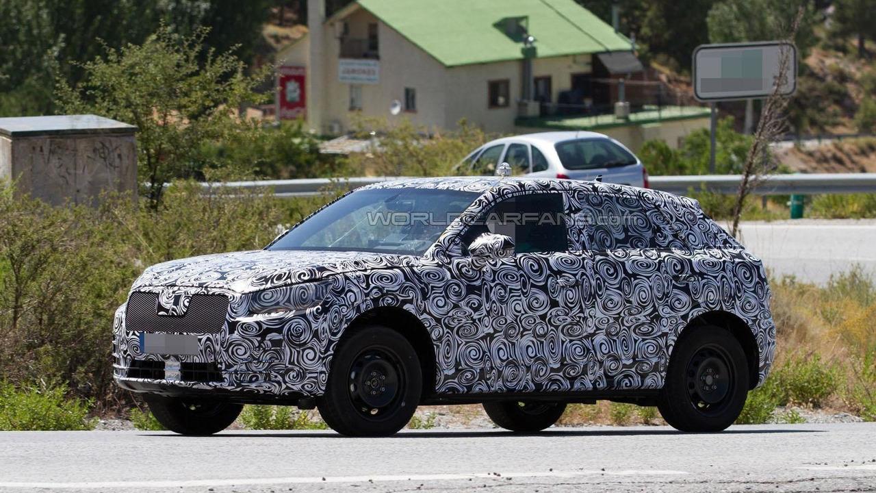 2016 / 2017 Audi Q1 spy photo