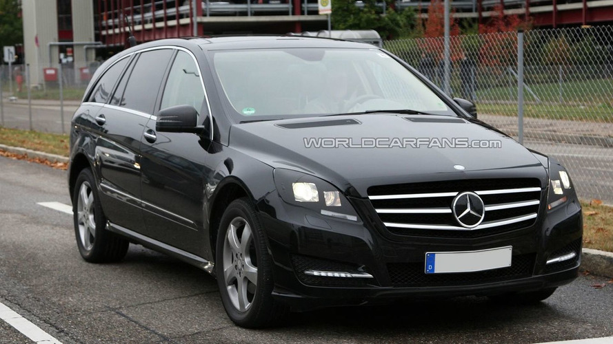 Mercedes R-Class facelift Spied Sporting Major Makeover - Virtually Undisguised