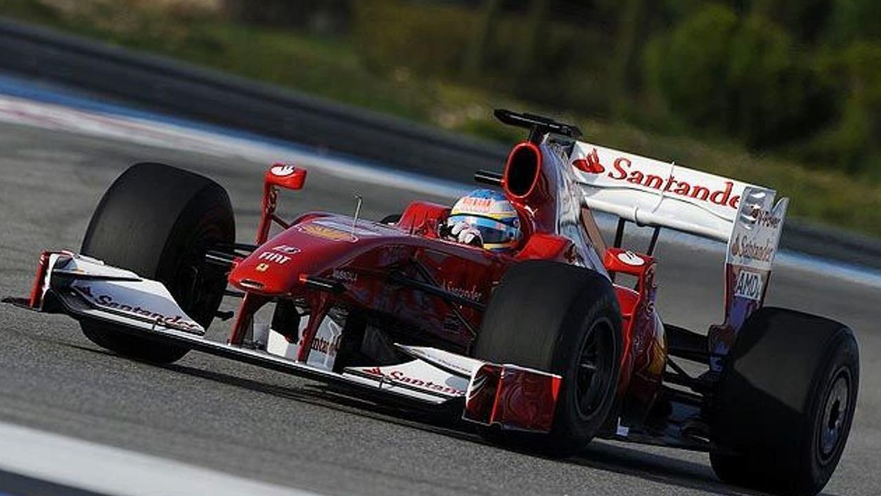 Fernando Alonso tests Ferrari F60 with 2010 livery, Paul Ricard circuit, France, 20.01.2010 - 640