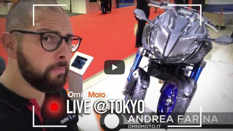 Yamaha Niken, il video della moto a tre ruote