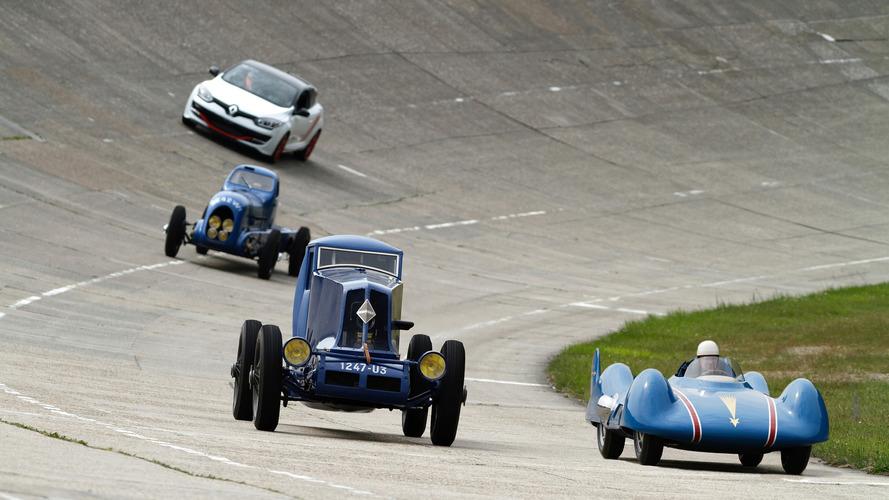 VIDÉO – Le dernier hommage de Renault pour ses autos des records