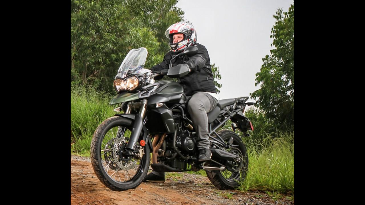 Agora é permitido levantar a viseira do capacete enquanto a moto estiver parada