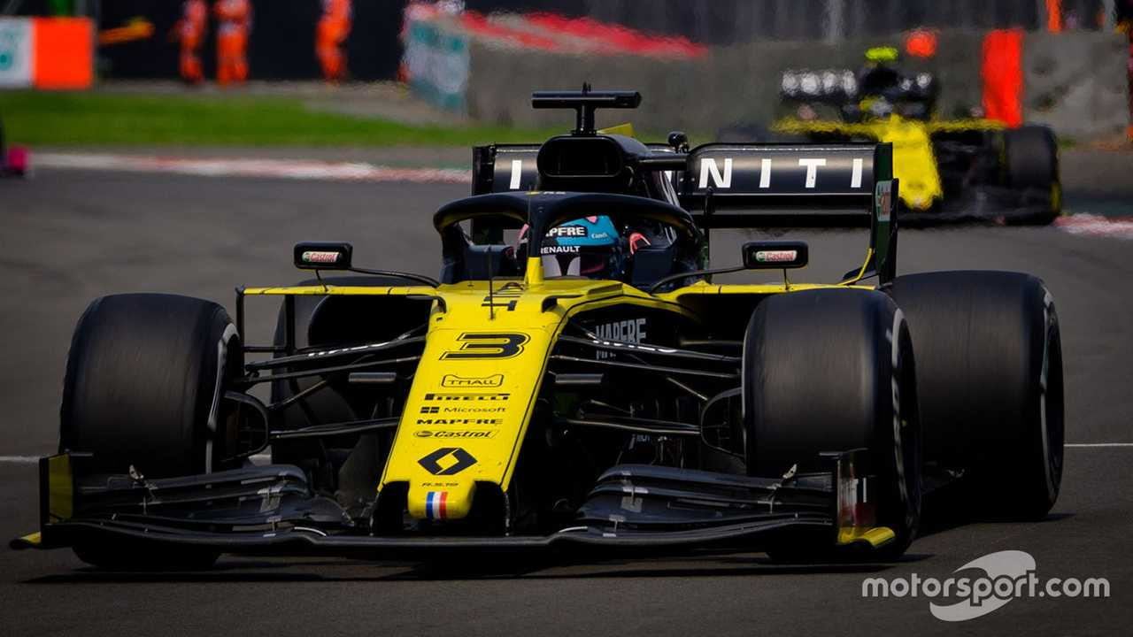 Daniel Ricciardo leads Nico Hulkenberg at Mexican GP 2019