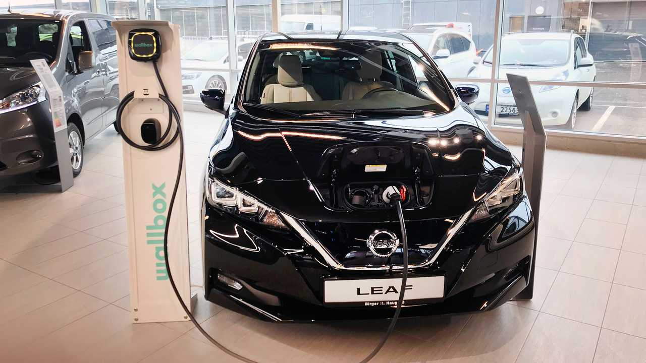 Report From Oslo's Nissan Dealership: World's Biggest Seller of EVs