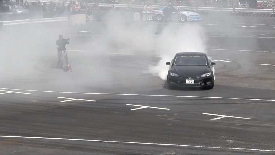 Tesla Model S: Does it Drift? (Video)