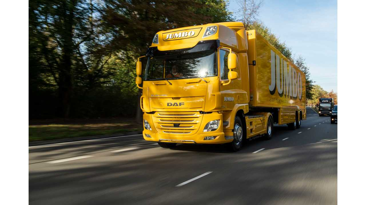 DAF Trucks Delivers First All-Electric CF Truck To Jumbo