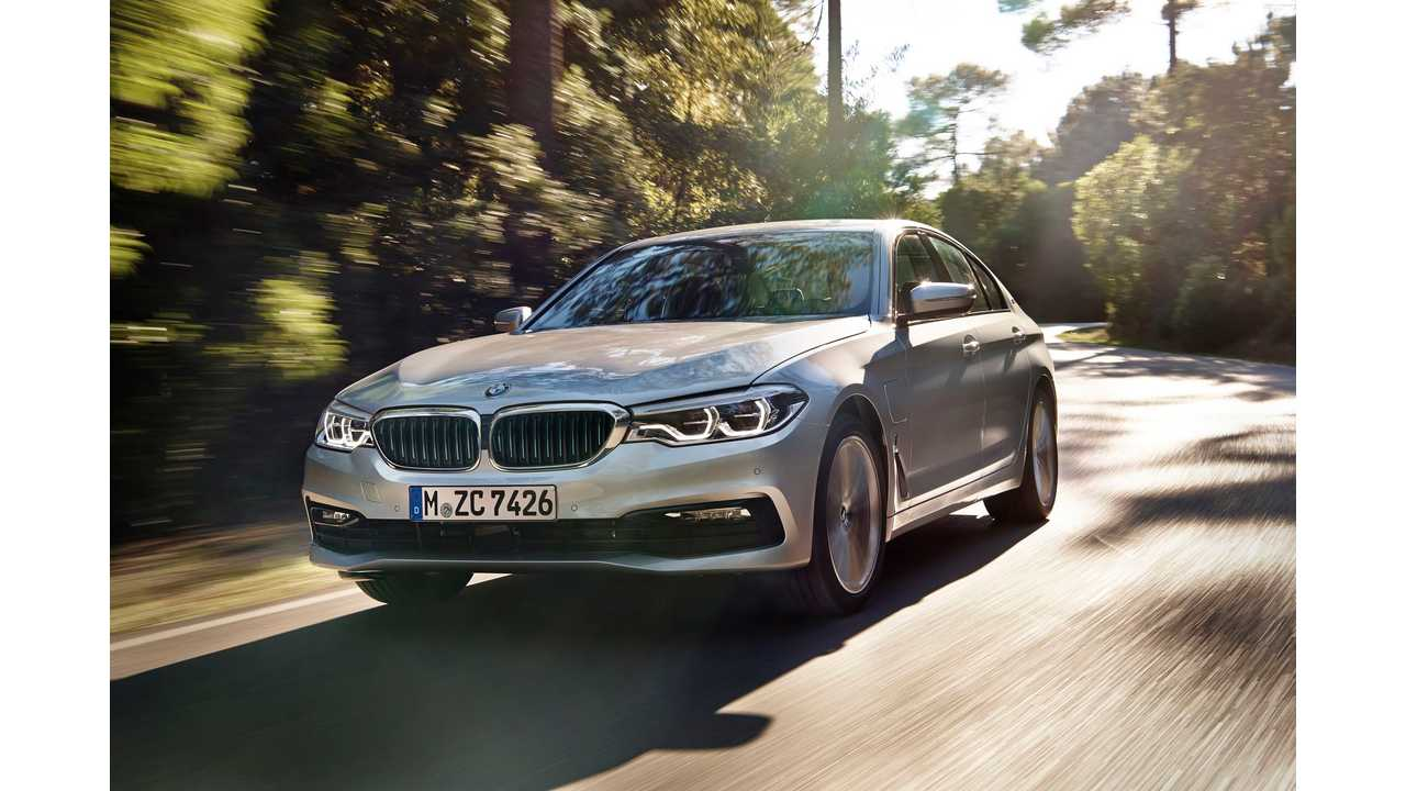BMW 530e Live From Detroit For NAIAS Debut, Arrives In Spring - Videos