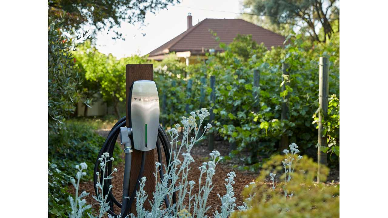 Tesla Offering Free Destination Chargers To Owners Of Vacation Rentals