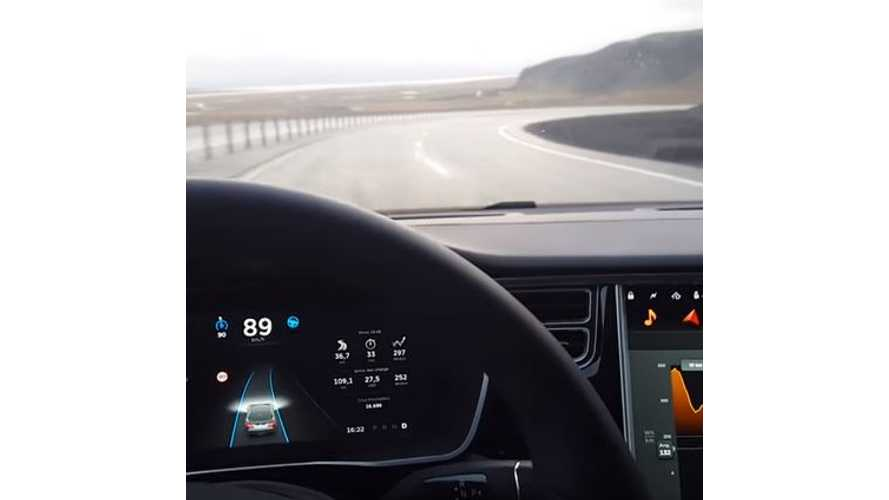 Tesla Model S With Autopilot Slows Itself Down On Tight Curves - Video