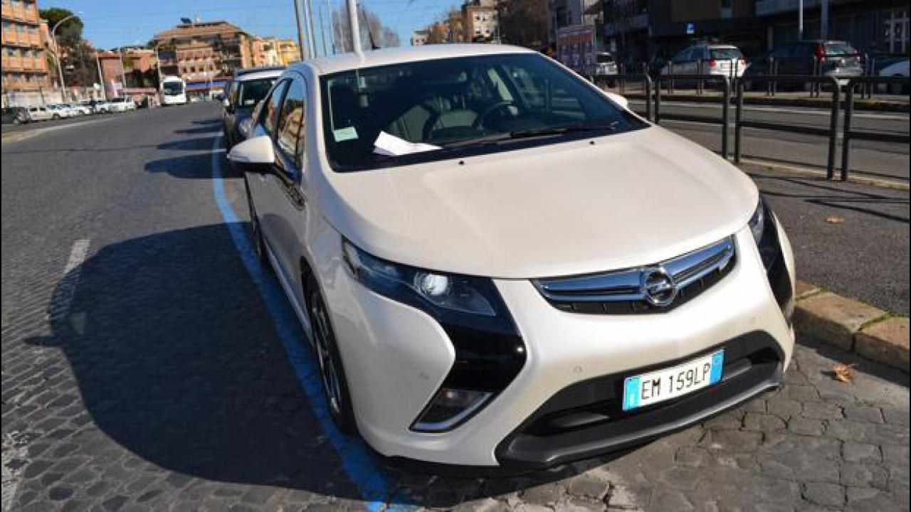 [Copertina] - Opel Ampera: la prova della sosta gratuita