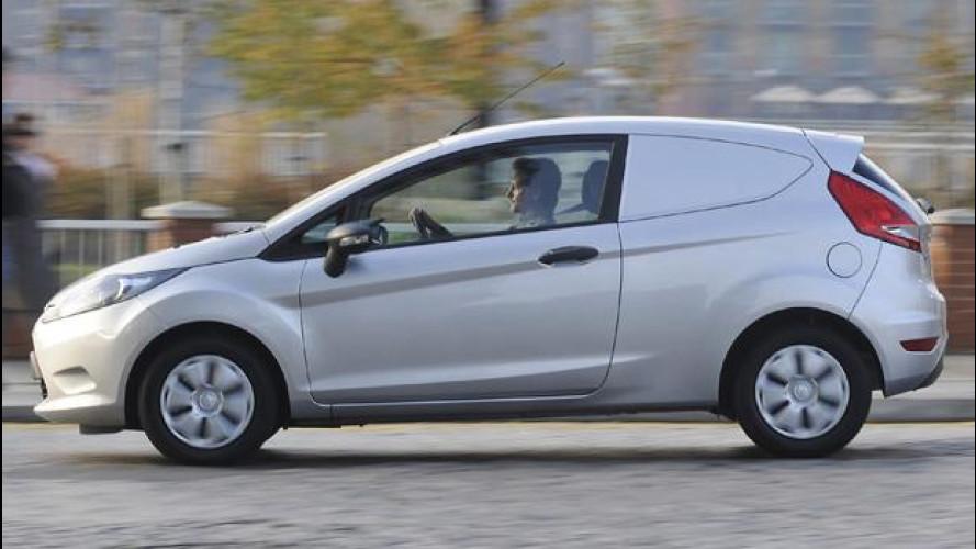 [Copertina] - Nuova Ford Fiesta Van ECOnetic Technology, furgonata da 3,3 l/100 km