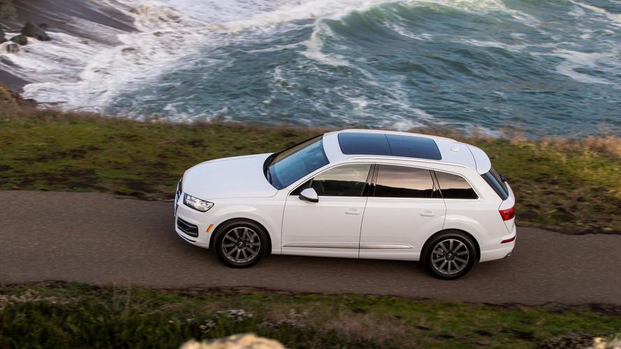 Des panneaux solaires sur le toit panoramique des Audi