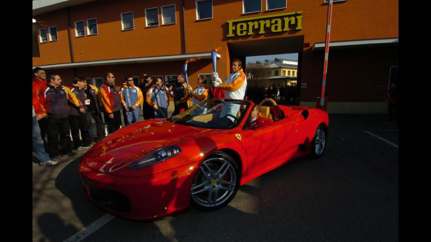 La Fiamma Olimpica tocca anche la Ferrari!