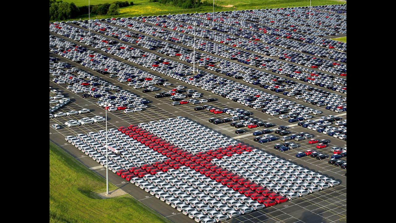 La Toyota Yaris... tifa Inghilterra