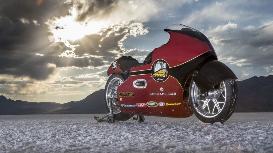 Indian Motorcycle completa en Bonneville su homenaje a Burt Munro