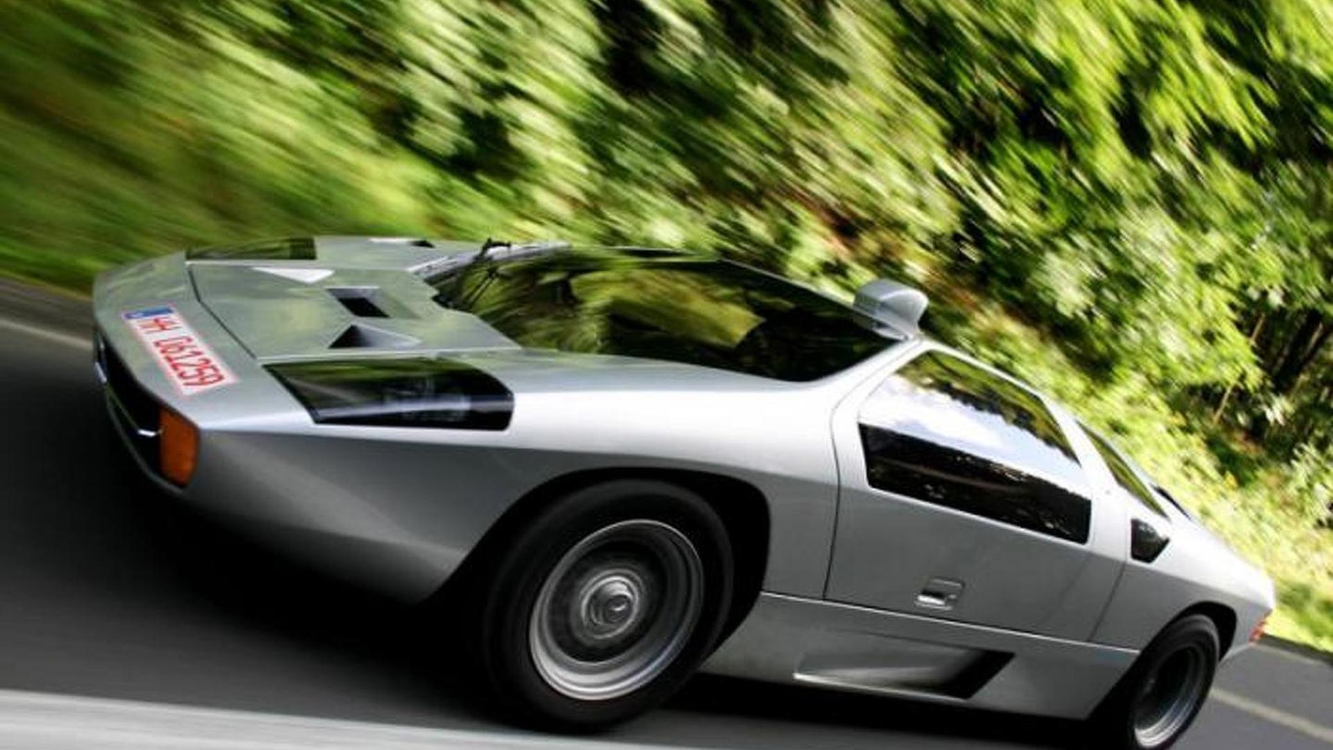 Isdera Imperator 108i revs its AMG V8 6 0-liter engine at