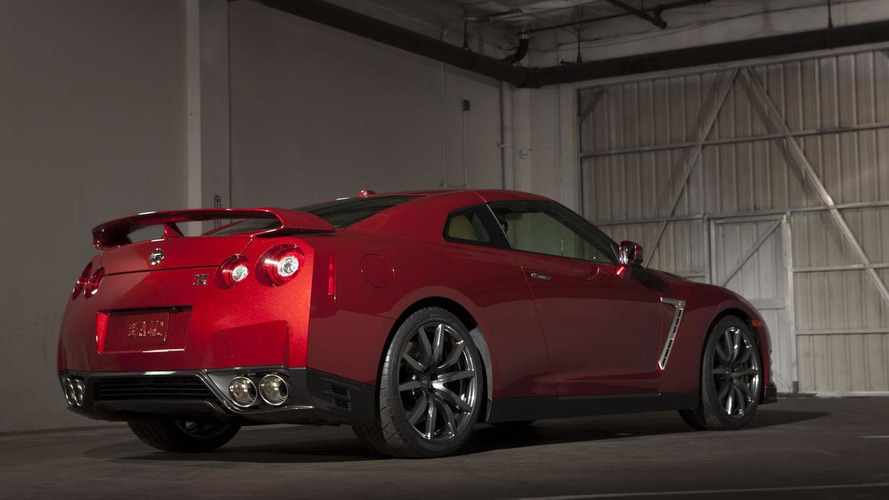 2014 Nissan GT-R unveiled with LED-infused headlights and a retuned suspension