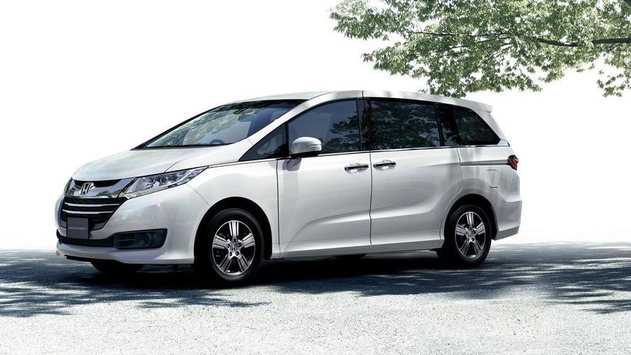 JDM-spec Honda Odyssey gets detailed