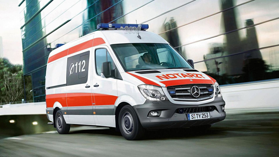 Mercedes to show C- & V-Class emergency vehicles at RETTmobil 2014