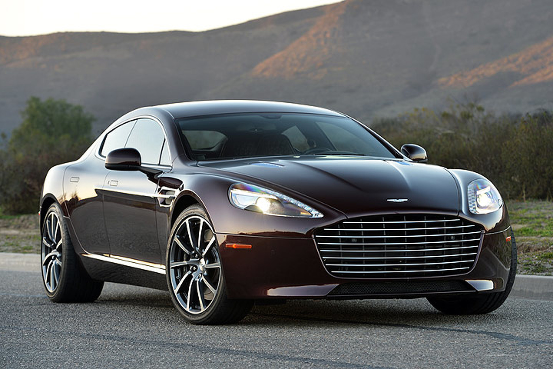 Aston Martin Guns for Tesla with 800-HP Rapide EV
