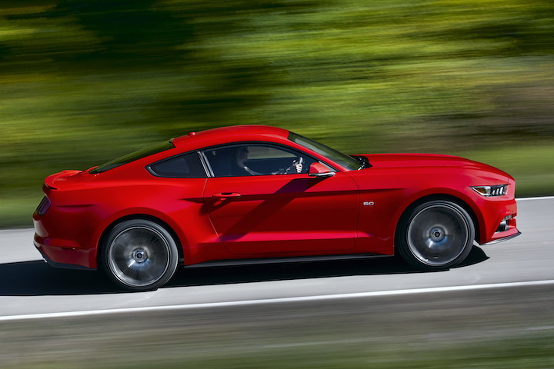 2015 ford mustang gets 435hp v8 310hp 4 cylinder
