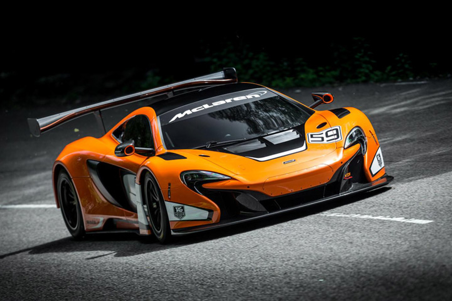 Watch as the McLaren 650S GT3 Breaks Cover, Sounds Terrifying