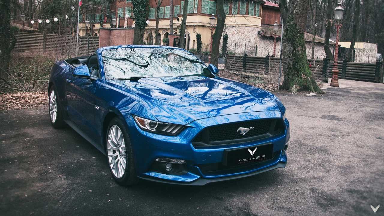 Vilner Modifiyeli Ford Mustang Convertible'lar