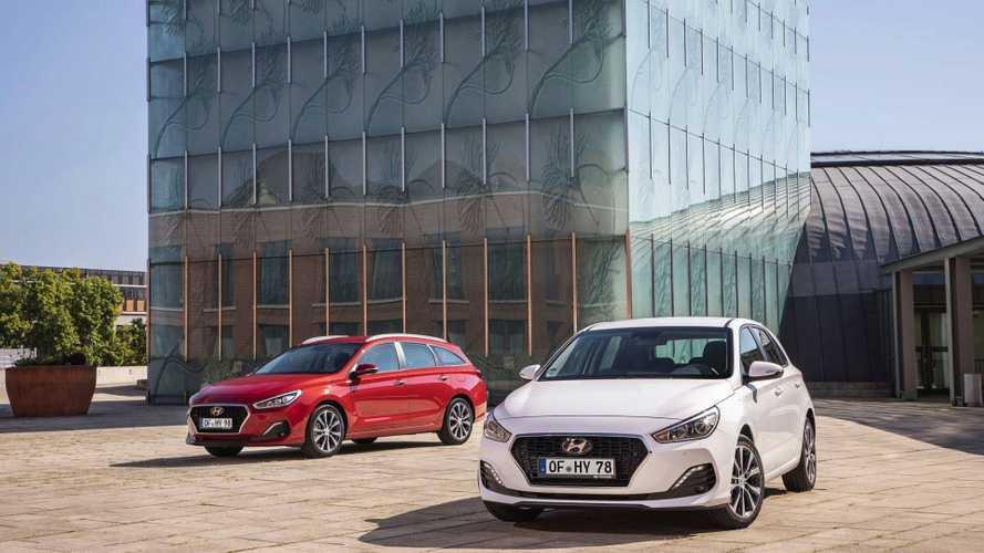 Új dízelmotorokkal és tech-fejlesztésekkel frissült a Hyundai i30 fedehátú és kombi változata