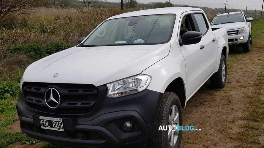 Flagra: Mercedes Classe X em versão de trabalho é testada ao lado da Ranger