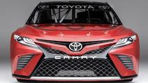 2018 Toyota Camry NASCAR yarış aracı
