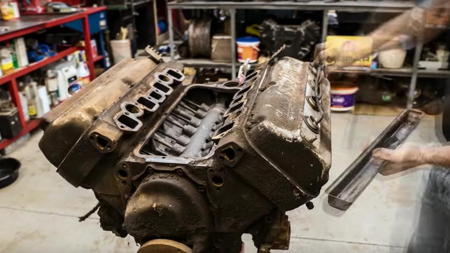 Chrysler Firepower V8'in 5 dakika süren yenilenişi