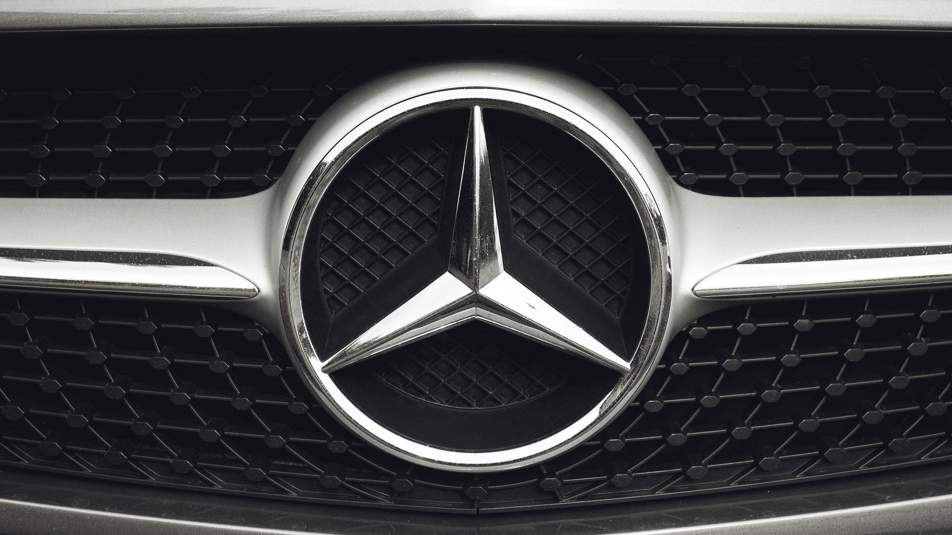 Mercedes-Benz News and Reviews | Motor1.com
