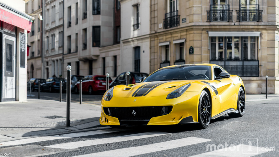 PHOTOS - Les plus belles supercars d'octobre à Paris !