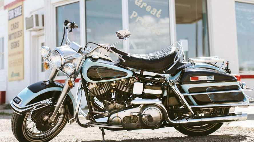 L'Harley-Davidson FLH 1200 Electra Glide di Elvis Presley venduta per 800.000 dollari
