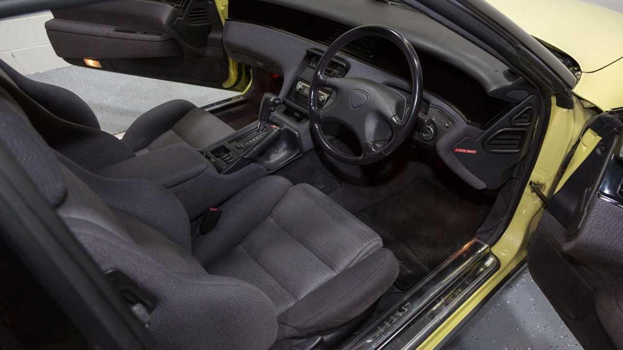 Rare 1990 Mazda Eunos Cosmo Features Twin-Turbo Rotary Engine