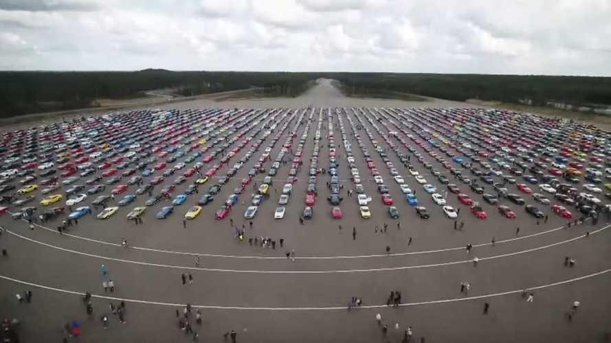 1326 Ford Mustang, собранных в одном месте