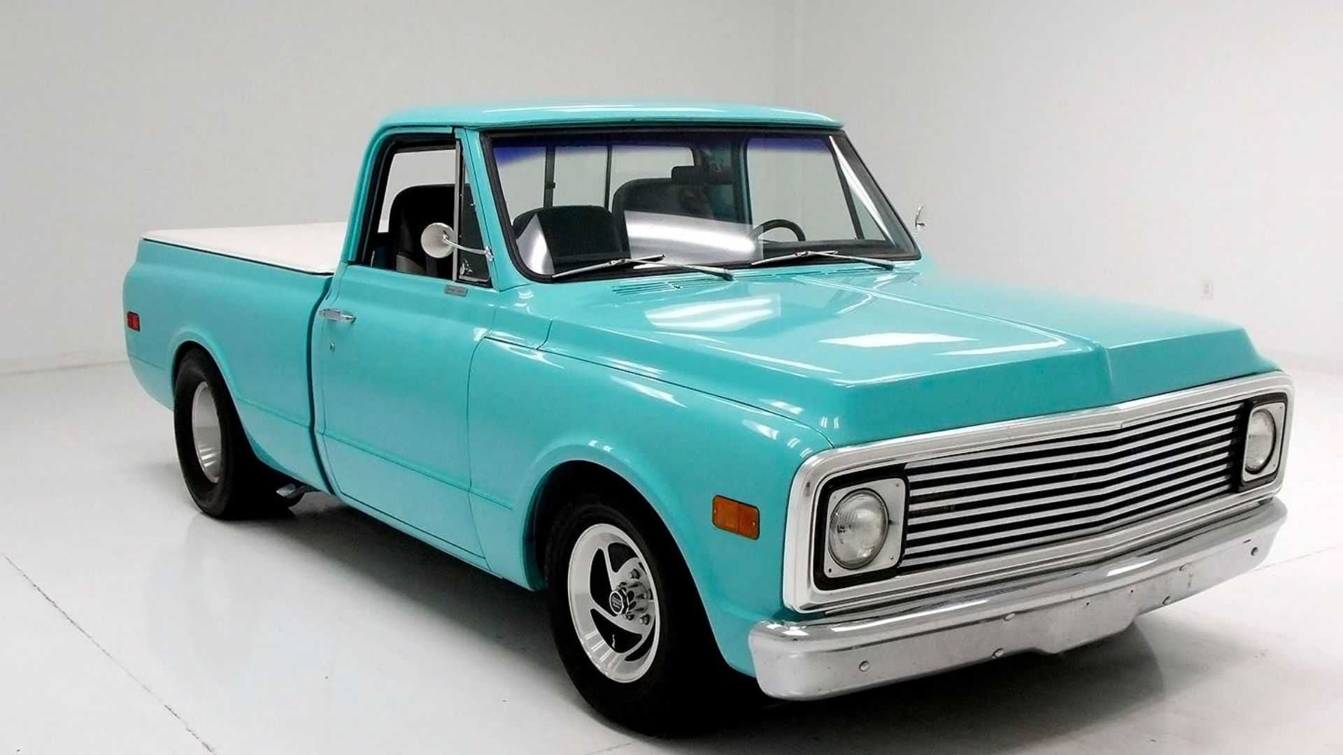 "[""Striking 1972 GMC C10 Features Upgrades""]"
