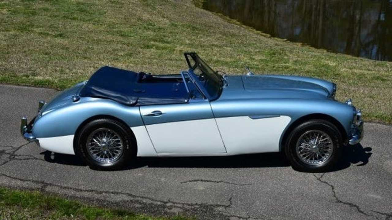 Authentic 1963 Austin-Healey 3000 Defines Classic British Motoring