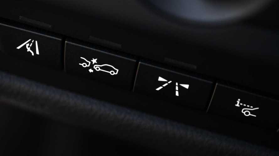Yeni otomobillerde zorunlu olacak güvenlik donanımları belli oldu