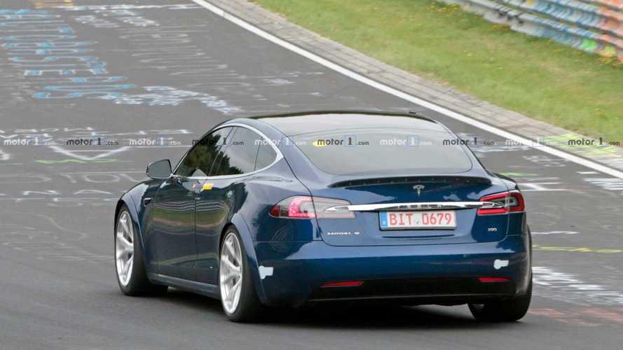 Mégis megeszi reggelire a Porsche Taycan nürburgringi rekordját a Tesla?