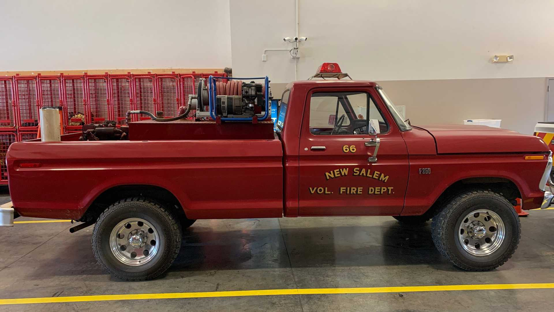"[""NC Fire Dept Selling Off Old-School 1976 Ford F-250 Brush Truck""]"