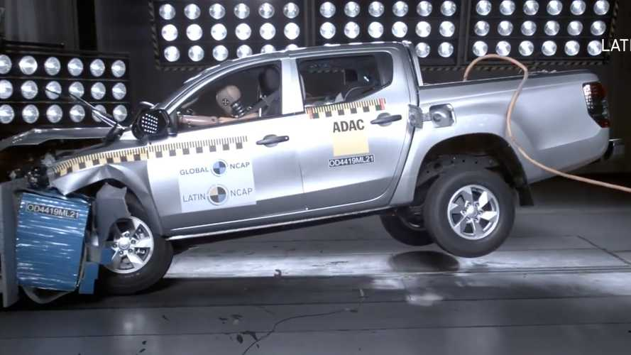Mitsubishi L200 Crash Test Looks Scary Without Airbags
