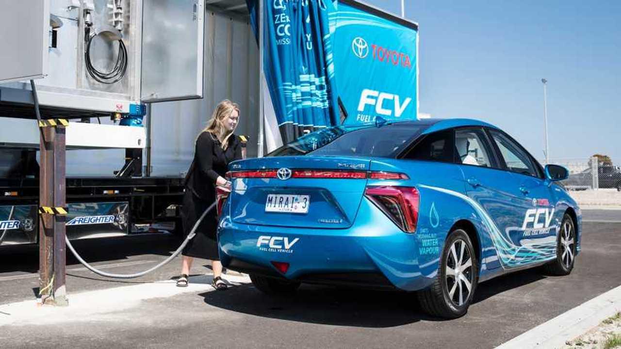 Idrogeno, la produzione per le fuel cell