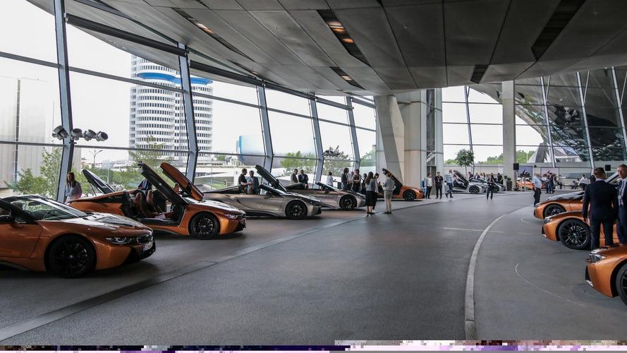 BMW livre les premières i8 Roadster