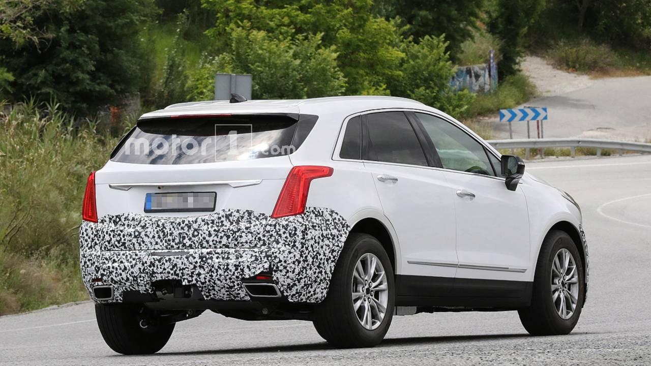 2020 Cadillac XT5 Spy Photos - 3041040