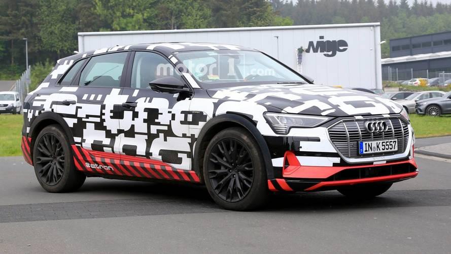 Audi отложила премьеру электрического кроссовера e-tron
