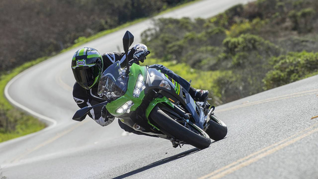 We never consider the Ninja 300 to be a slug, but the 400 offers even more nimble, and accurate handling.