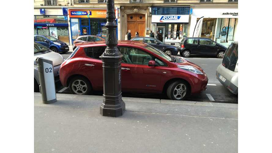 Nissan LEAFs in Paris Have Issues With Autolib Charging Points